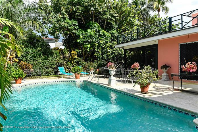Casa Unifamiliar por un Venta en 195 Belmonte Road West Palm Beach, Florida,33405 Estados Unidos