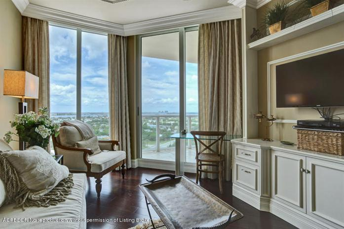 Additional photo for property listing at 2700 N Ocean Dr 1003B  West Palm Beach, Florida,33404 Verenigde Staten
