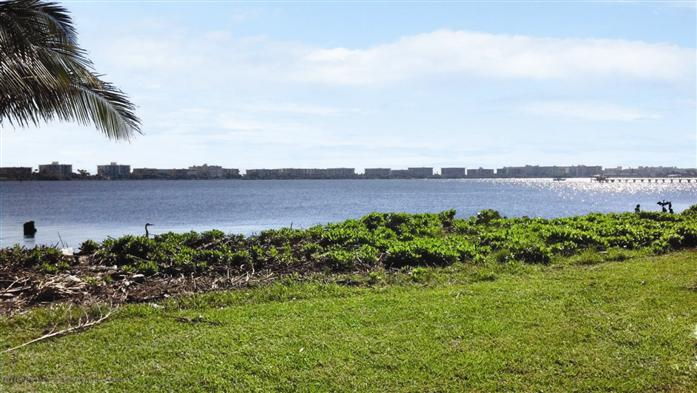 Additional photo for property listing at 512 S Lakeside Dr  Lake Worth, Florida,33460 Amerika Birleşik Devletleri