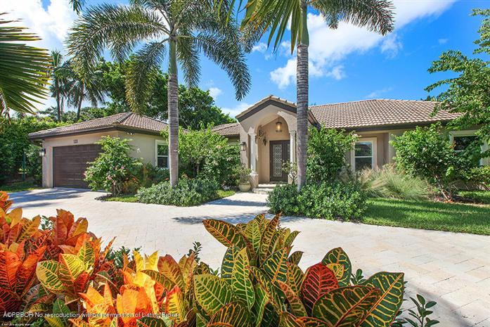 Single Family Home for Sale at 121 Potter Road West Palm Beach, Florida,33405 United States