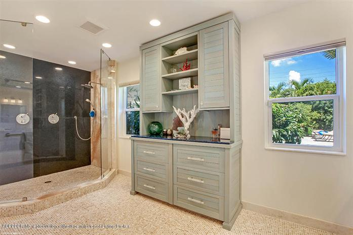 Additional photo for property listing at 121 Potter Road  West Palm Beach, 플로리다,33405 미국