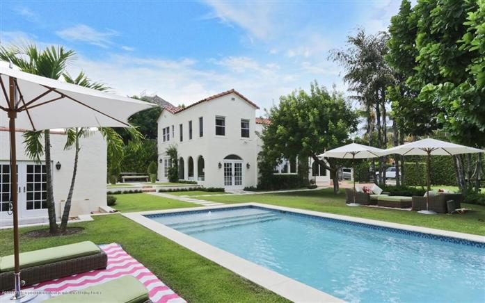 Maison unifamiliale pour l Vente à 194 Pershing Way West Palm Beach, Florida,33401 États-Unis