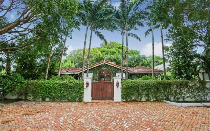 Villa per Vendita alle ore 3020 Dixie Hwy West Palm Beach, Florida,33405 Stati Uniti
