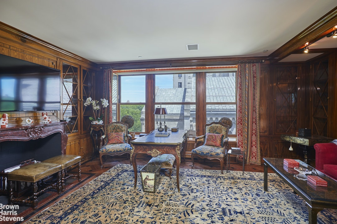 838 Fifth Avenue Interior Photo