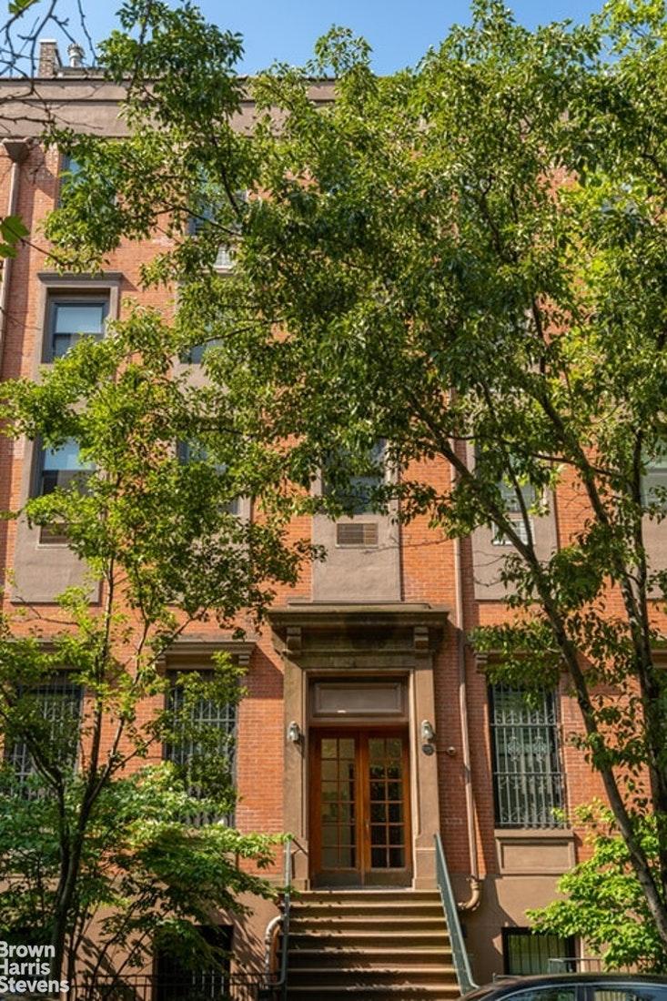 230 East 18th Street Gramercy Park New York NY 10003