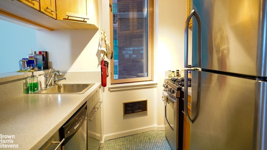 Apartment for sale at 235 East 40th Street, Apt 30B