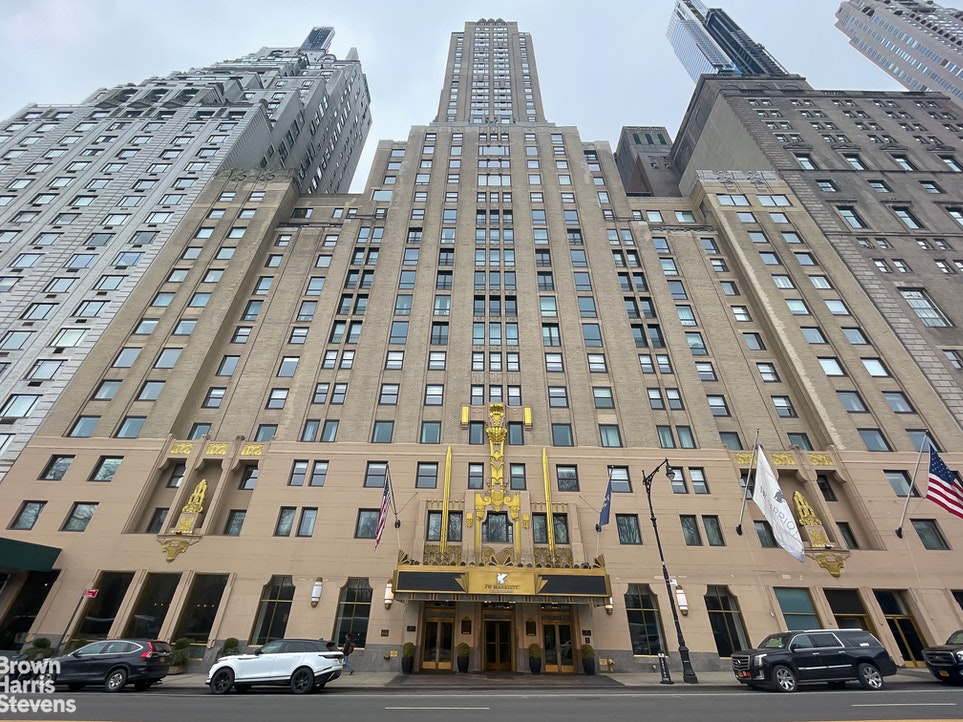 Apartment for sale at 160 Central Park South, Apt 1817