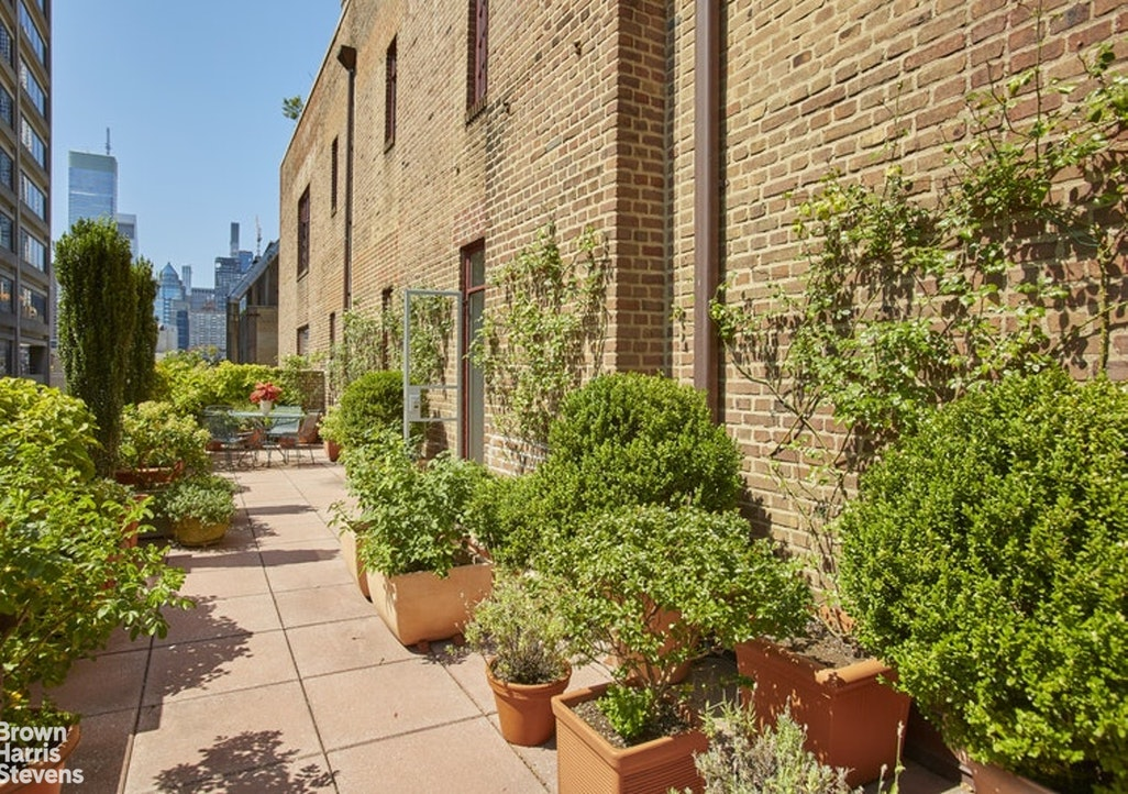 Apartment for sale at 116 East 68th Street, Apt PH9B