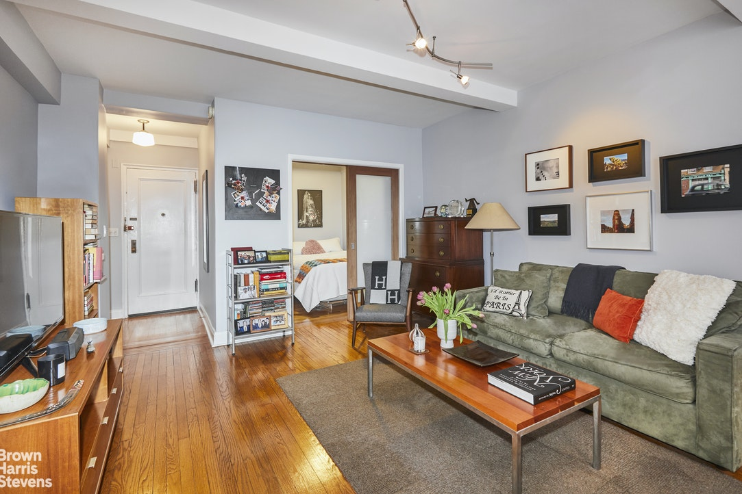 405 West 23rd Street Interior Photo