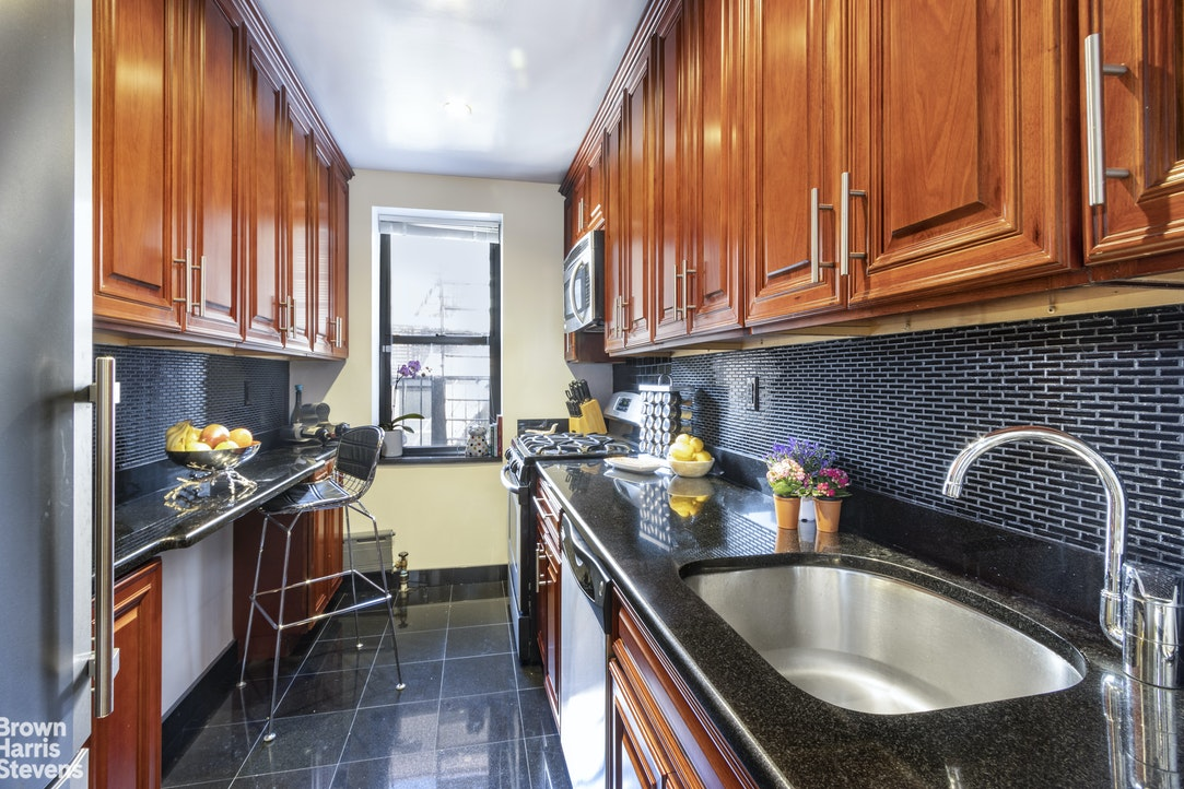 402 East 74th Street Upper East Side New York NY 10021