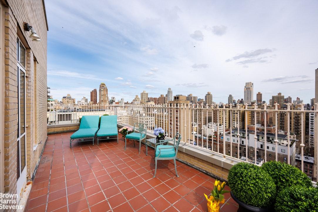 993 Fifth Avenue Interior Photo