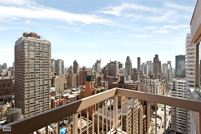 200 East 69th Street, Upper East Side, NYC, $3,200,000, Web #: 9924416