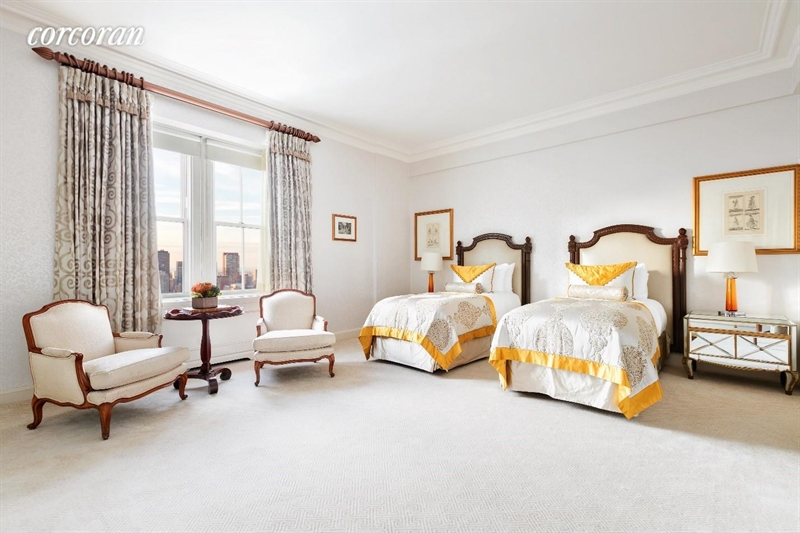 795 5th Ave, Upper East Side, NYC, $500,000, Web #: 5258388
