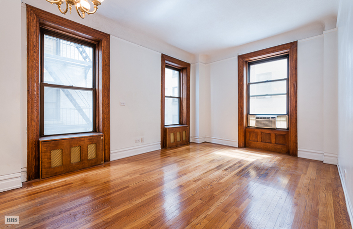 205 West 54th Street, Midtown West, NYC, $475,000, Web #: 10035278
