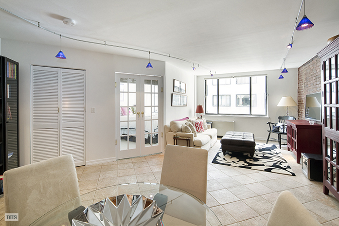 77 Bleecker Street, Greenwich Village/NOHO/Little Italy, NYC, $645,000, Web #: 10053847