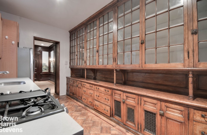 109 Willow Street 1, Brooklyn Heights, New York, $10,250, Web #: 10370924