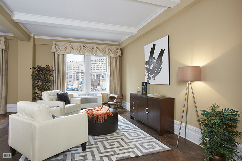 125 East 72nd Street, Upper East Side, NYC, $6,100,000, Web #: 10920325