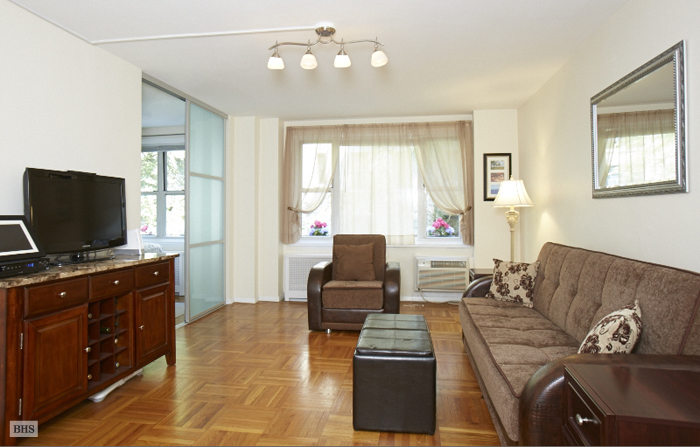 435 East 77th Street, Upper East Side, NYC, $421,500, Web #: 11140373