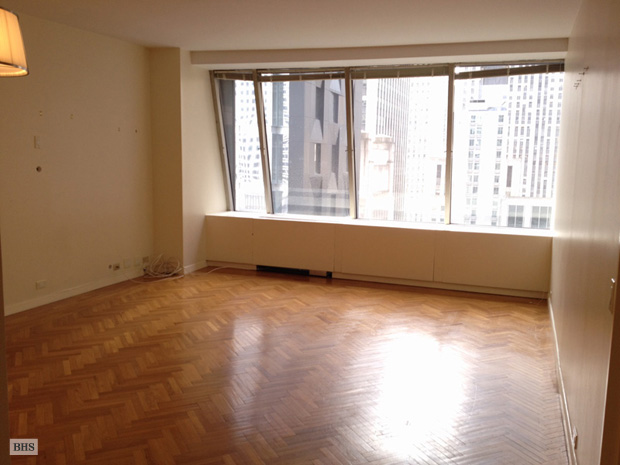 West 53rd Street, Midtown West, NYC, $5,000, Web #: 11176931