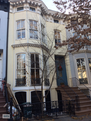 Cambridge Place, Brooklyn, New York, $2,500, Web #: 11733000