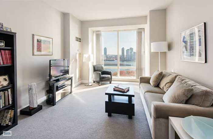 845 United Nations Plaza, Midtown East, NYC, $1,530,000, Web #: 11803061