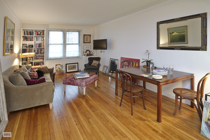 305 West 52nd Street, Midtown West, NYC, $795,000, Web #: 11933068