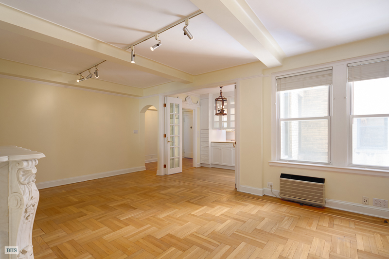 1235 Park Avenue, Upper East Side, NYC, $1,835,000, Web #: 12124576