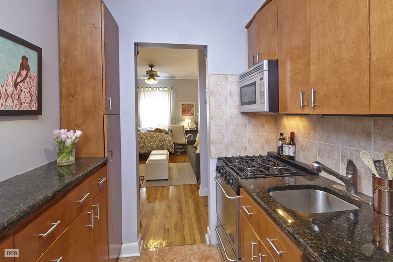 233 West 21st Street, Greenwich Village/Chelsea, NYC, $415,000, Web #: 12431168