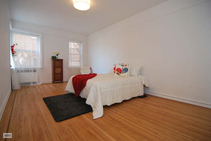 85 -10 34th Ave, Queens, New York, $350,000, Web #: 12459705