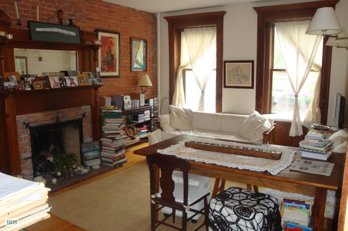 West 76th Street, Upper West Side, NYC, $3,000, Web #: 12553428