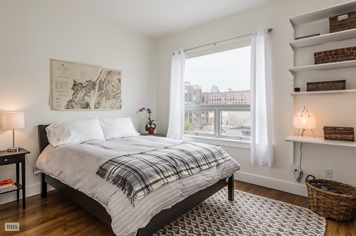 Roebling Street, Brooklyn, New York, $4,300, Web #: 12558739