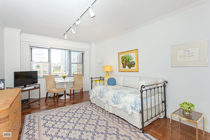 150 East 69th Street, Upper East Side, NYC, $2,350,000, Web #: 12759116
