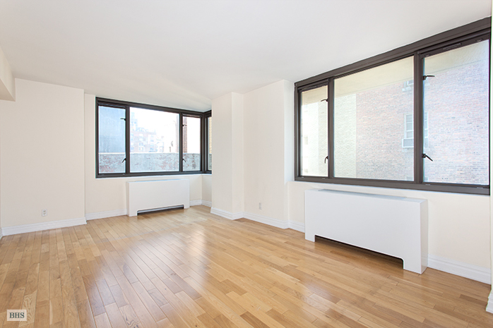 1438 Third Avenue, Upper East Side, NYC, $990,000, Web #: 12953927
