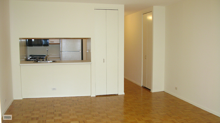 393 West 49th Street 3Aa, Midtown West, NYC, $2,400, Web #: 12955002