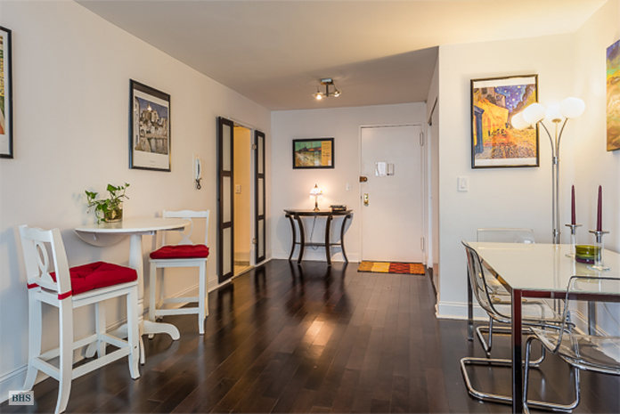 520 East 72nd Street 7B, Upper East Side, NYC, $540,000, Web #: 13249517