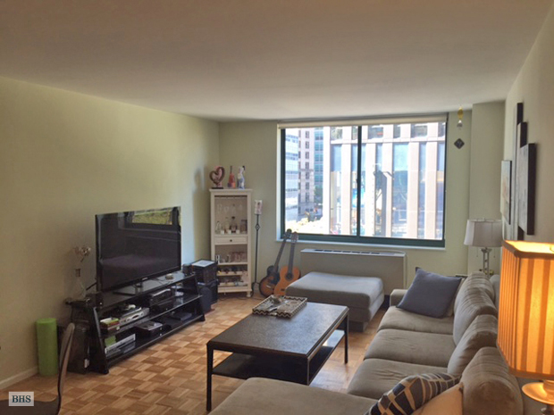 275 Greenwich Street, Civic Center, NYC, $3,950, Web #: 13368030