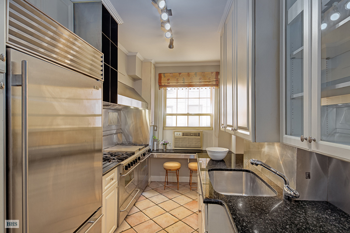 1192 Park Avenue, Upper East Side, NYC, $2,350,000, Web #: 13484152