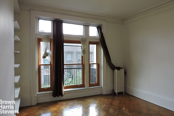 119 Montague Street 5, Brooklyn Heights, New York, $3,000, Web #: 13637845