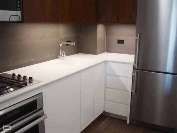 East 72nd Street, Upper East Side, NYC, $3,700, Web #: 13853922