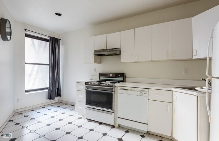 310 West 99th Street, Upper West Side, NYC, $530,000, Web #: 14447638