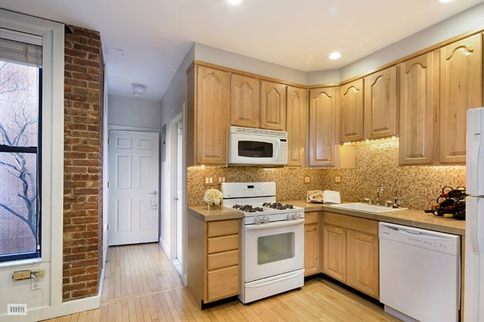 172 East 90th Street, Upper East Side, NYC, $965,000, Web #: 14461020