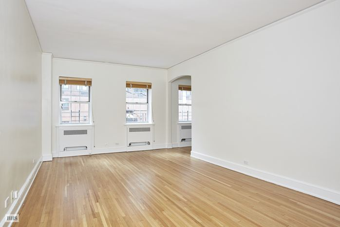 203 East 72nd Street, Upper East Side, NYC, $999,000, Web #: 14478150