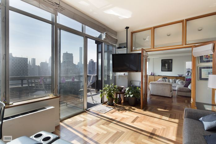 422 East 72nd Street, Upper East Side, NYC, $2,100,000, Web #: 14497742