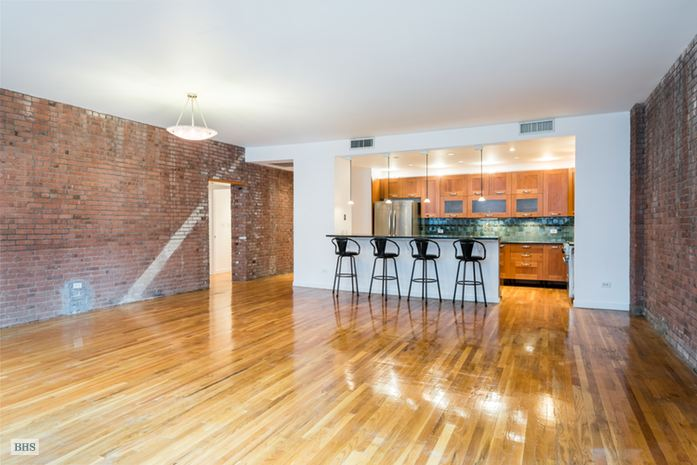 139 Reade Street 4B, Tribeca/SOHO/Chinatown, NYC, $12,250, Web #: 14801494