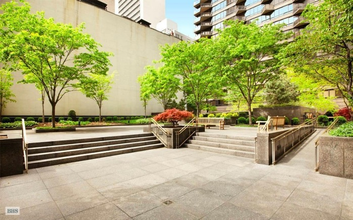 845 United Nations Plaza 6B, Midtown East, NYC, $4,300, Web #: 14847021