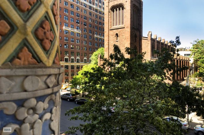 39 Fifth Avenue, East Village, NYC, $1,700,000, Web #: 14935603