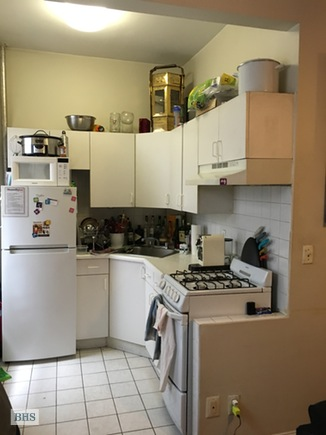 854 10th Avenue, Midtown West, NYC, $2,095, Web #: 15444877