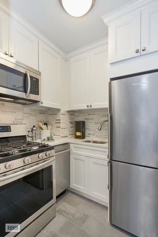 210 East 63rd Street, Upper East Side, NYC, $402,000, Web #: 15459968