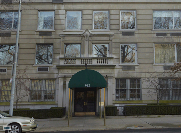 912 Fifth Avenue, Upper East Side, NYC, $6,500,000, Web #: 1556689