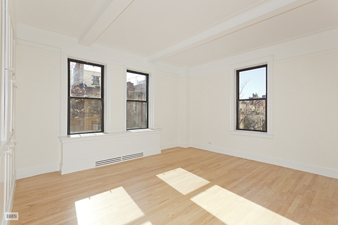 130 West 86th Street, Upper West Side, NYC, $875,000, Web #: 1565597